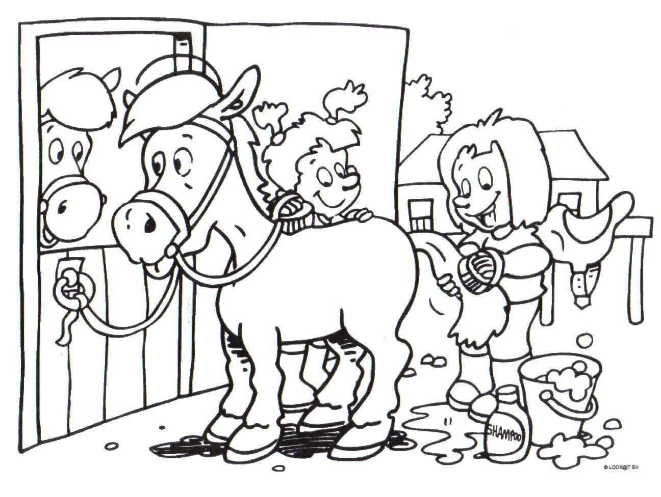 Kleurplaten Van Paarden En Honden